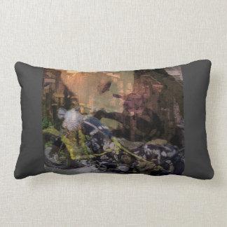 «A Sense of Freedom» Throw Pillow Lumbar