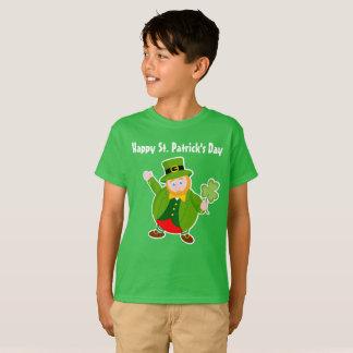 A St. Patrick's Day leprechaun holding a shamrock, T-Shirt
