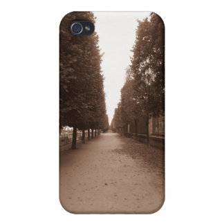 A Stroll thorugh Paris Cover For iPhone 4