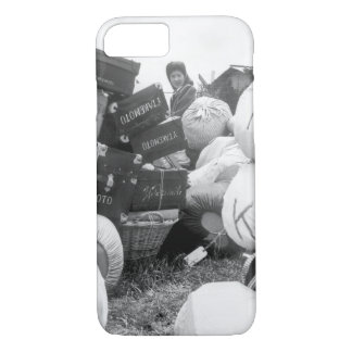 A young evacuee of Japanese_War image iPhone 7 Case