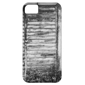 Abandoned shop forgotten bw iPhone 5 cover