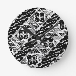 Abstract and Ornate Classical Pattern Round Clock