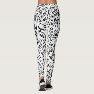 Abstract black and white leaf design leggings