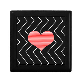 Abstract geometric pattern - heart - zigzag - blac gift box