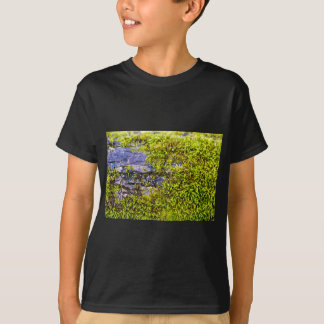 abstract green moss_on wood in winter T-Shirt
