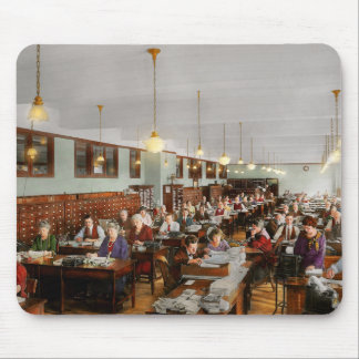 Accountant - Workaholic 1923 Mouse Pad
