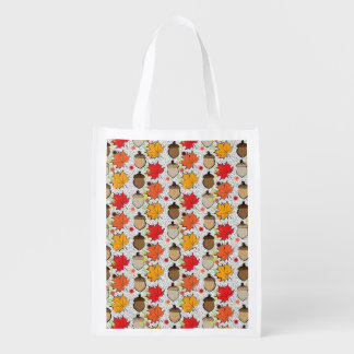 Acorns and leaves VII Market Totes