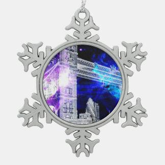 Ad Amorem Amisi London Dreams Snowflake Pewter Christmas Ornament