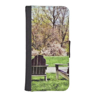 Adirondack Chairs In Spring iPhone SE/5/5s Wallet Case