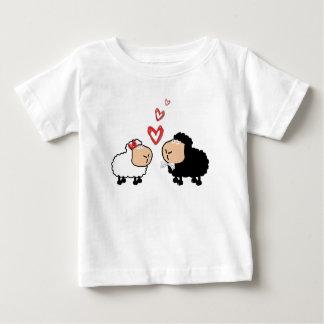 Adorable cute funny cartoon sheep in love baby T-Shirt
