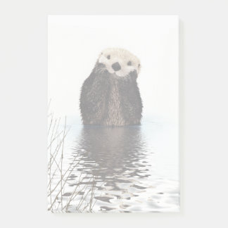 Adorable Smiling Otter in Lake Post-it Notes