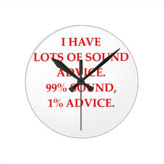 ADVICE ROUND CLOCK