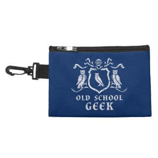 Agrafe héraldique de geek de hibou sur le sac trousse à accessoires