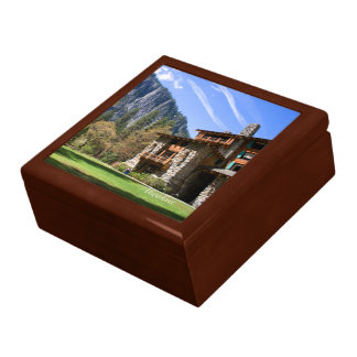 Ahwahnee Gift Box