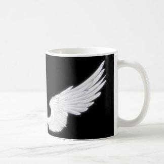 Ailes blanches d'ange de Falln Mug