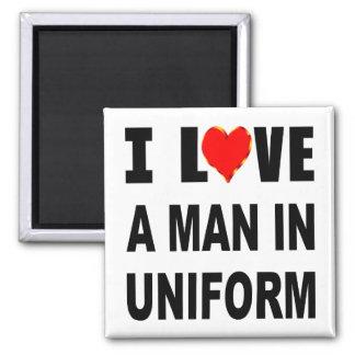 Aimant J'aime un homme dans l'uniforme