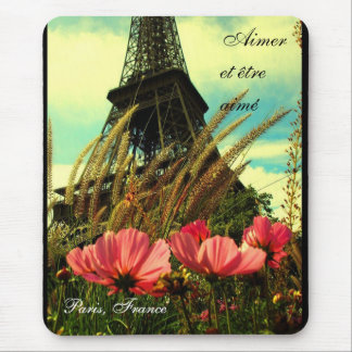 Aimer et être aimé - To Love and Be Loved Mouse Pad