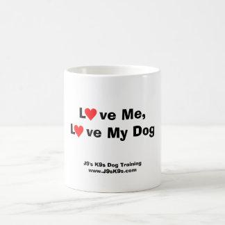 Aimez-moi, aimez ma tasse de chien