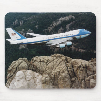 Air Force One flying over Mount Rushmore Mousepad