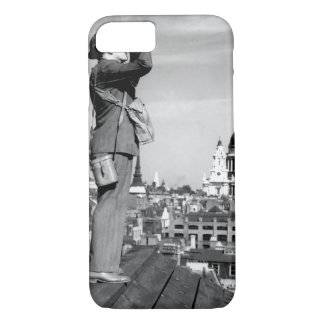 Aircraft spotter on the roof of a building_War ima iPhone 7 Case