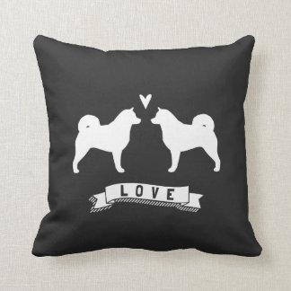 Alaskan Malamute Silhouettes Love Throw Pillow