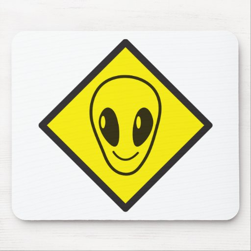 ALIEN crossing! Mouse Pads