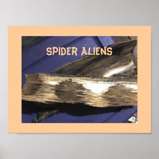 Aliens d'araignée posters