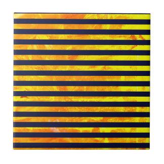 Amber background | stripes pattern tile