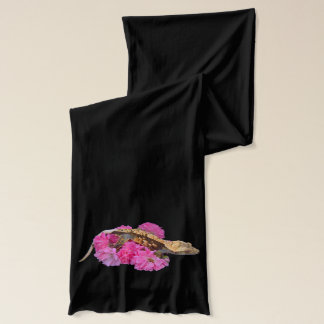 American Aperel scarf with Crested Gecko print