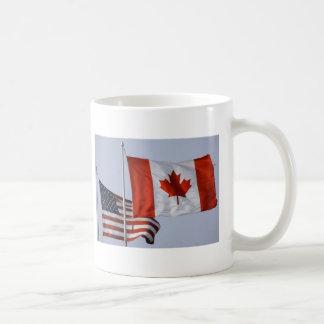 AMERICAN FLAG / CANADIAN FLAG COFFEE MUGS