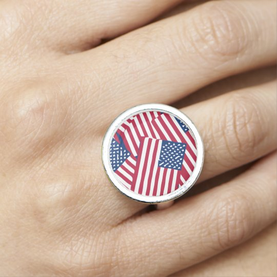 American flag in overlap photo ring