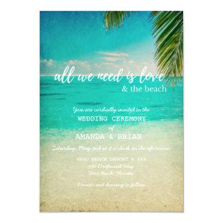 Amour et le faire-part de mariage de plage