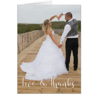 Amour et mercis épousant la carte de note de photo