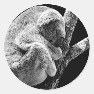 animal-715543.jpg round sticker