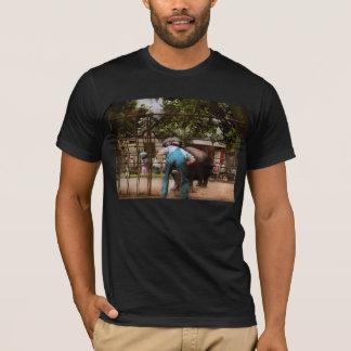 Animal - Hippo - Stupid human tricks 1910 T-Shirt