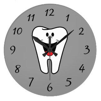 Animated Smiling Tooth Wallclock