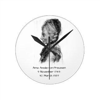 Anna amalie von Preussen Round Clock
