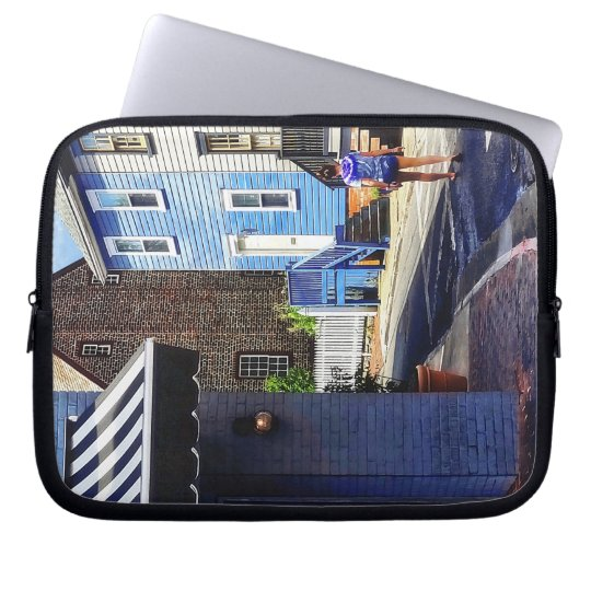 Annapolis MD - Strolling Along Pinkney Street Laptop Sleeve