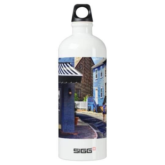 Annapolis MD - Strolling Along Pinkney Street Water Bottle