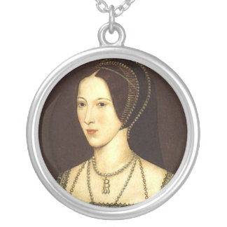 Anne Boleyn Round Necklace