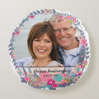 Anniversary Wreath Round Pillow