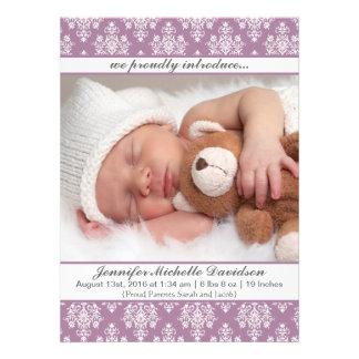 Annonces pourpres de naissance de bébé de damassé bristol personnalisé