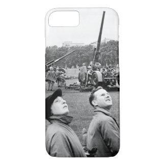 Anti-aircraft guns in Hyde Park go into_War image iPhone 7 Case