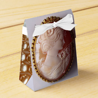 Antique Cameo and pearls Party Favor Box