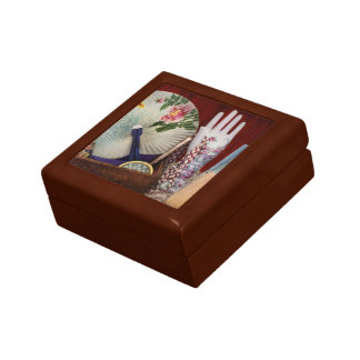 Antique - The finer things in life Gift Box