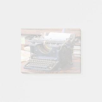 Antique Typewriter Post-it Notes