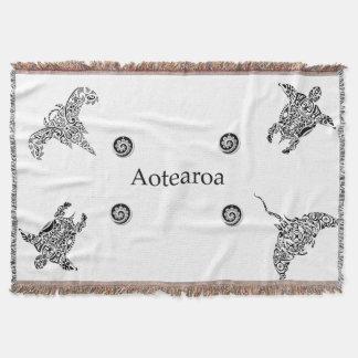 aotearoa ika throw blanket