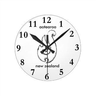 aotearoa new zealand mauis hook 2 round clock