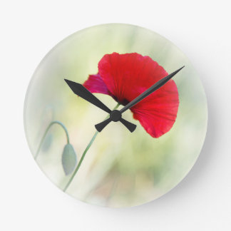 "Apron with red poppy ""Be happy!"" Round Clock"