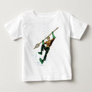 Aquaman avec la lance tee-shirts
